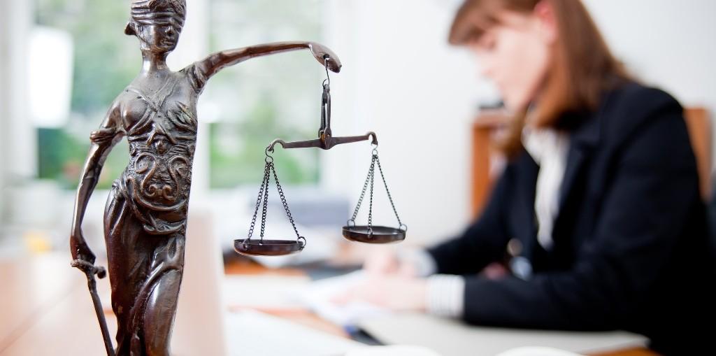 группы Юрист в налоговой обязанности Что это